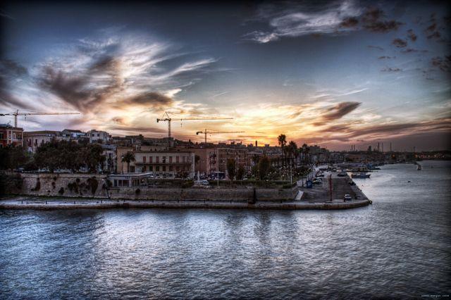 Tramonti di Taranto