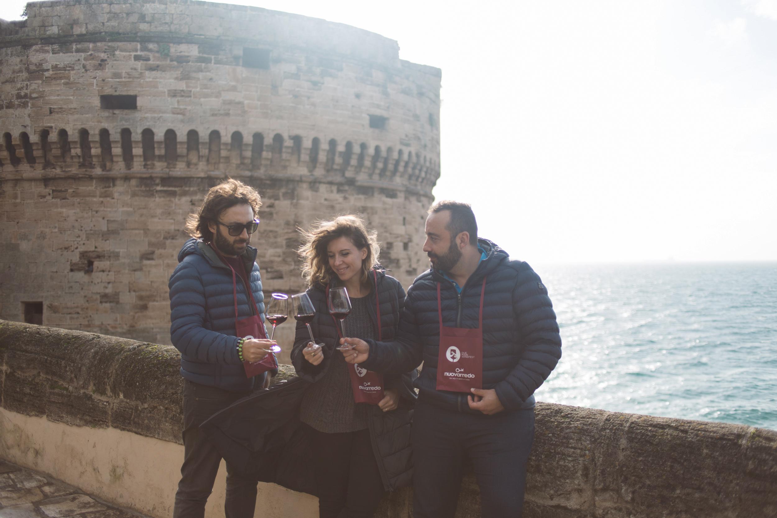 Nuovo Arredo A Taranto.Tutto Pronto Per La V Edizione Del Due Mari Winefest 21 23 Giugno